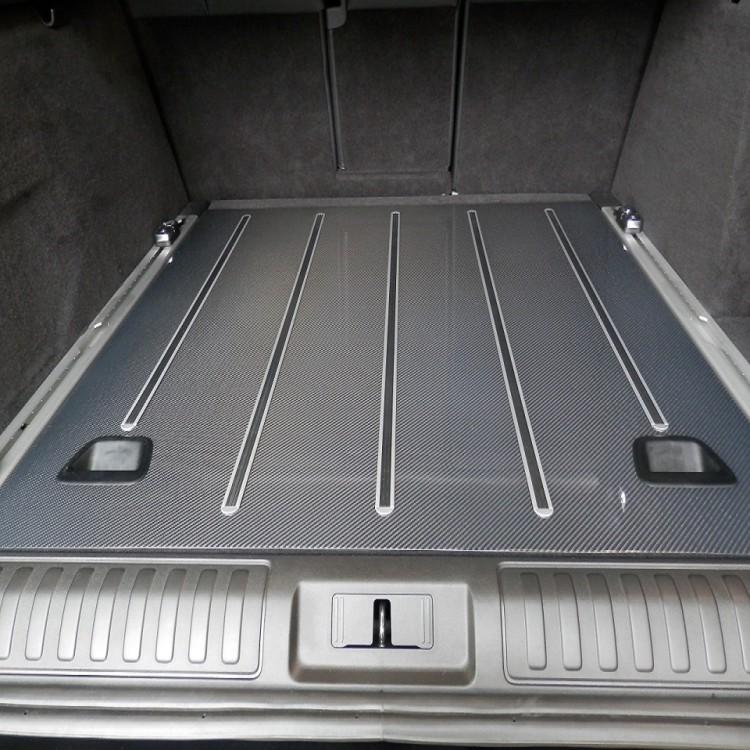 Карбоновое покрытие для багажного отделения