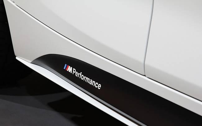 Насадка швеллера M Performance для BMW 1 Series F20/F21 (код 51192220961)