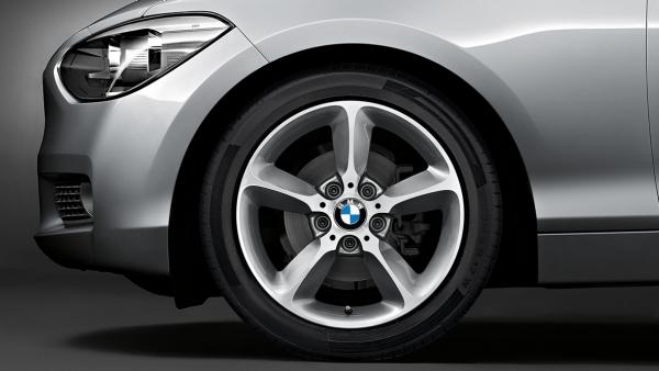 Легкосплавный колесный диск (звездообразные спицы) 382 для BMW 1 Series F20/F21 (код 36116796208)
