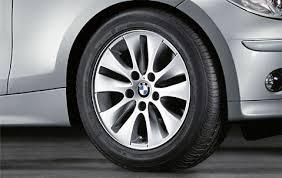 Легкосплавное дисковое колесо (V-образные спицы) 229 для BMW 1 Series E81/E87 (код 36116774684)