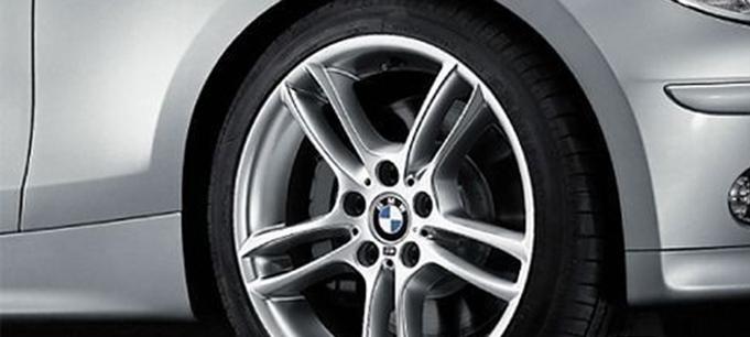 Легкосплавный колесный диск (сдвоенные спицы) 261 М для BMW 1 Series E81/E87 (код 36117891051)