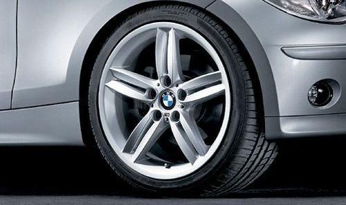 Легкосплавное дисковое колесо (сдвоенные спицы) 208 М для BMW 1 Series E81/E87 (код 36118036940)