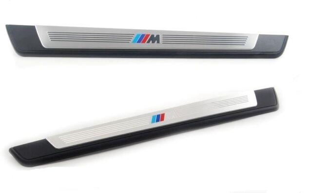 Накладка порога в M-стиле (правая, передняя) для BMW 1 Series E81/E87 (код 51477906818)