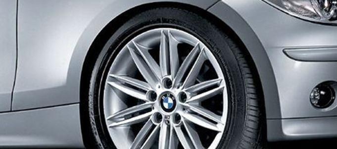 Легкосплавное дисковое колесо (сдвоенные спицы) 207 М для BMW 1 Series E81/E87 (код 36118036938)