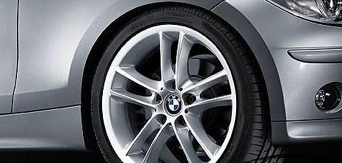 Легкосплавное дисковое колесо (сдвоенные спицы) 182 для BMW 1 Series E81/E87 (код 36116775633)