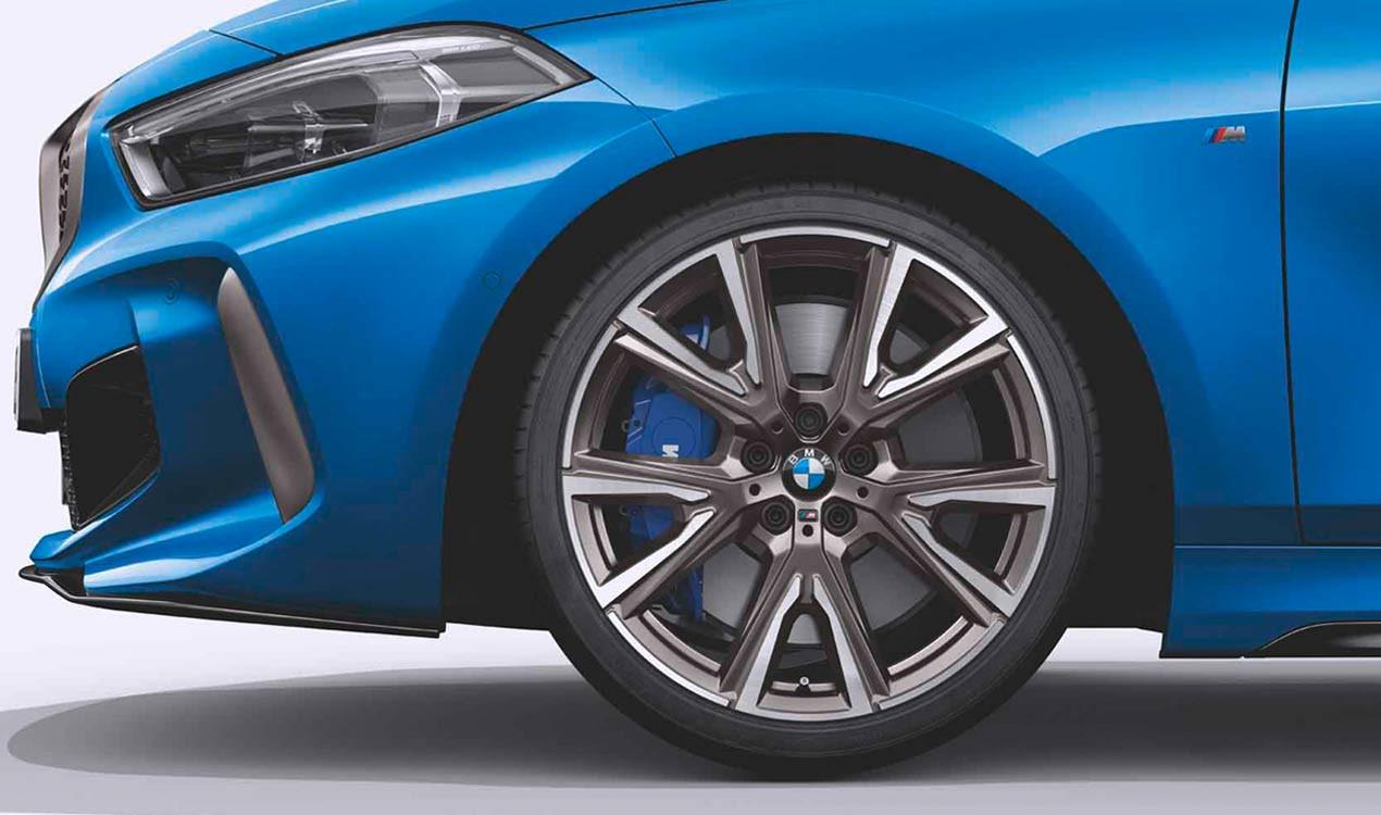 Легкосплавное дисковое колесо (V-образные спицы) 557M для BMW 1 Series F40