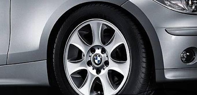 Легкосплавное дисковое колесо (звездообразные спицы) 151 для BMW 1 Series E81/E87