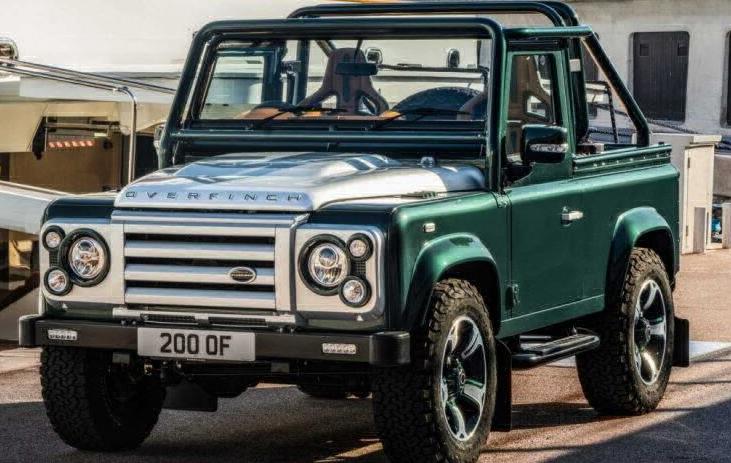 Роскошный внедорожник Land Rover Defender изумрудного цвета был представлен британским ателье Overfinch