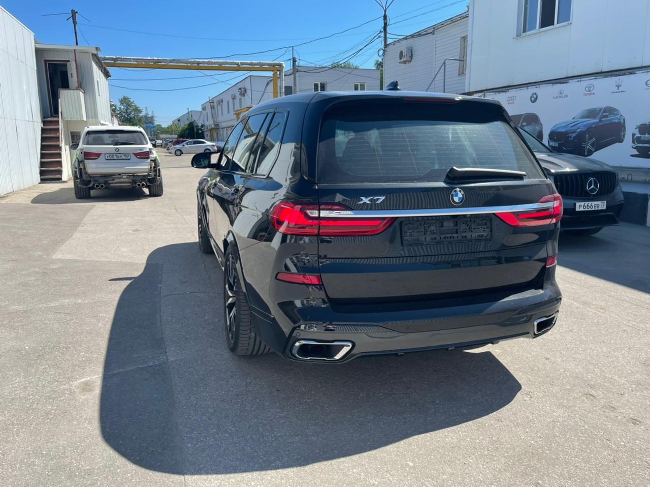 Расширение кузова Renegade для BMW X7