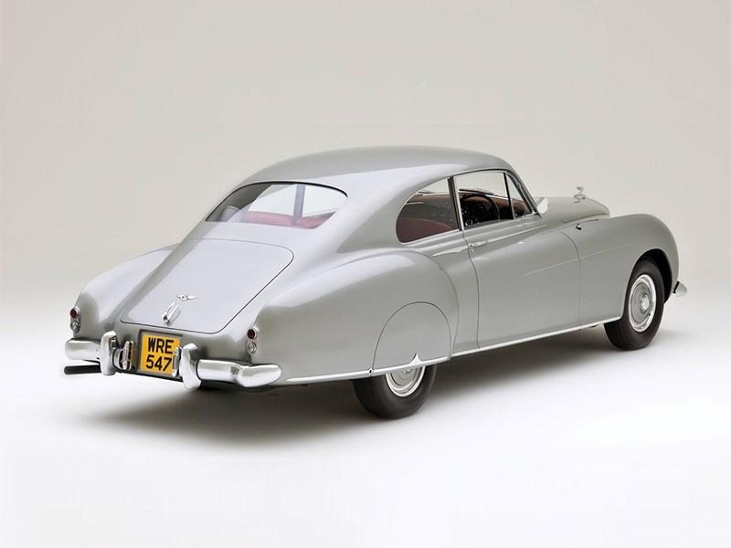 Внимание – концерн Bentley готовится возродить культовый аэродинамический спорткар!