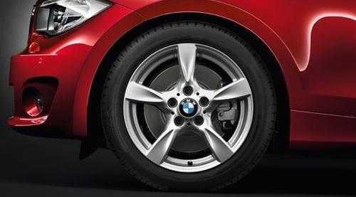 Легкосплавное дисковое колесо (звездообразные спицы) 371 для BMW 1 Series E81/E87