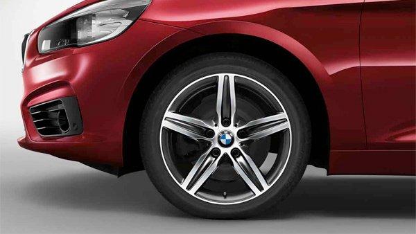 Легкосплавный колесный диск (звездообразные спицы) 379 для BMW 1 Series F20/F21