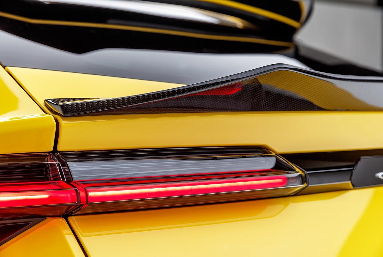 Cпойлер на крышку багажника (карбон) Vorsteiner для Lamborghini Urus
