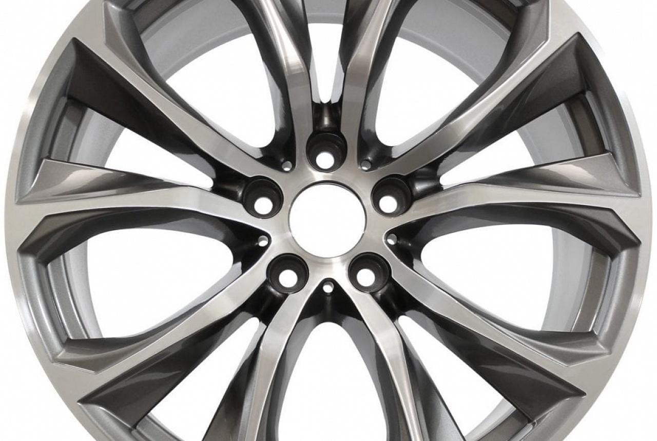 Легкосплавное дисковое колесо (V-образные спицы) 597 для BMW X6 F16 (код 36116858879)