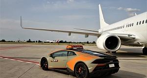 Культовый автомобиль Lamborghini Huracan Evo стал машиной для сопровождения самолетов в итальянском аэропорту