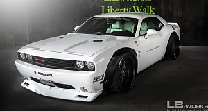 Dodge Challenger получил обвес от Liberty Walk