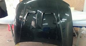 Карбоновый капот на BMW 1M