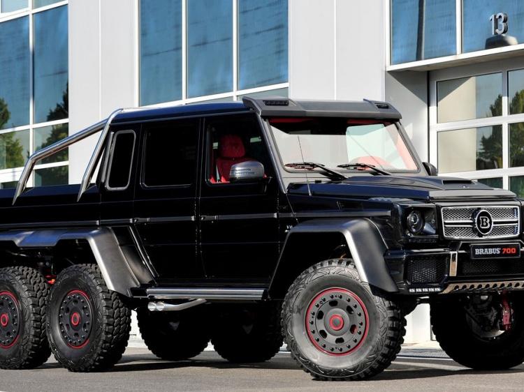 Компания Brabus показала свой B63S-700 6?6 с шестью колесами