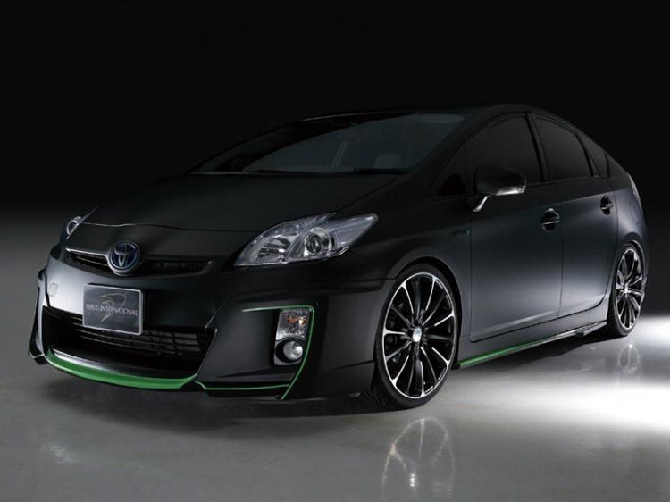 Ателье Wald International представило свой вариант Toyota Prius 3
