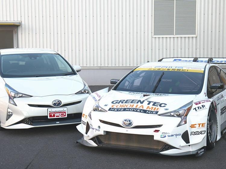 Спортивный прототип команды APR Racing с дизайном Toyota Prius