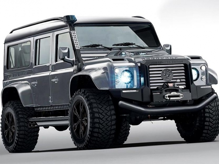 Агрессивный дизайн Land Rover Defender