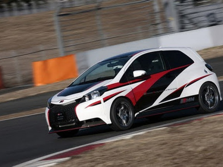 Toyota Yaris от Gazoo Racing – шоу-кар или шаг в сторону спорткаров