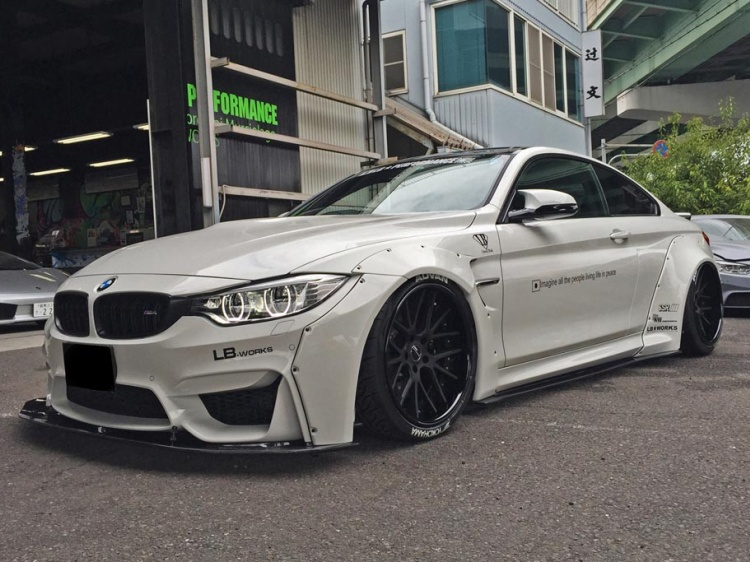 Обвес для BMW M4 Coupe от Liberty Walk